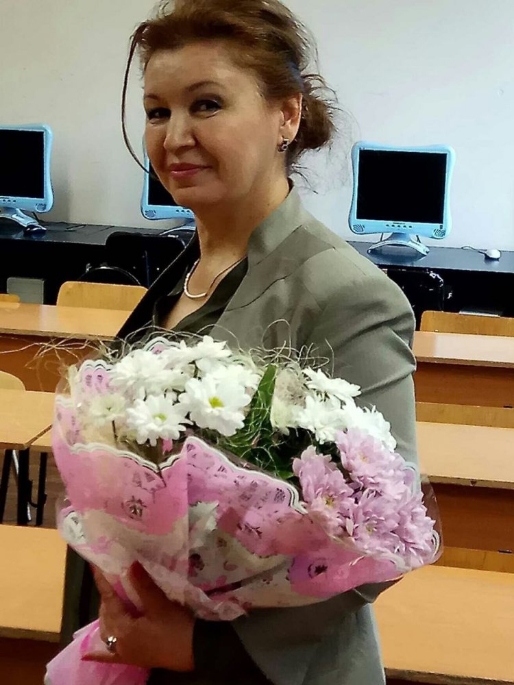 Рузиева Эльмира Турсуновна, учитель русского языка и литературы гимназии № 295