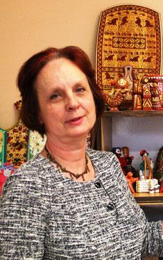 Калинина Елена Михайловна, учитель декоративно-прикладного искусства, высшей категории школы № 303 и