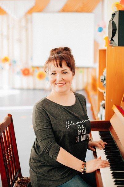 Гильмутдинова Альбина Адиковна,  музыкальный руководитель детского сада №57