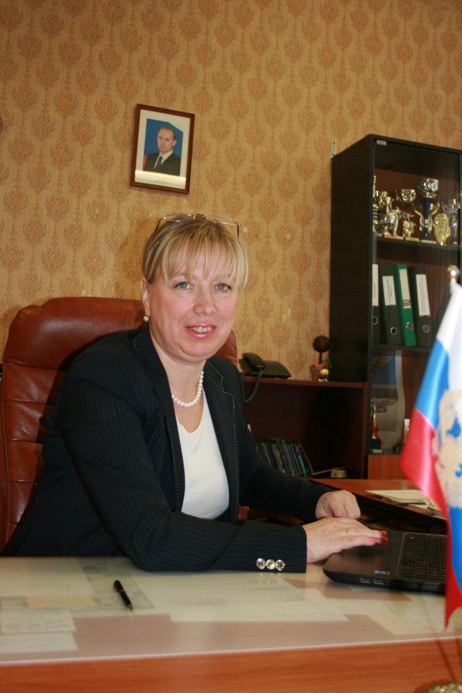 Соколова Светлана Николаевна, директор средней  школы №368 с углубленным изучением английского языка