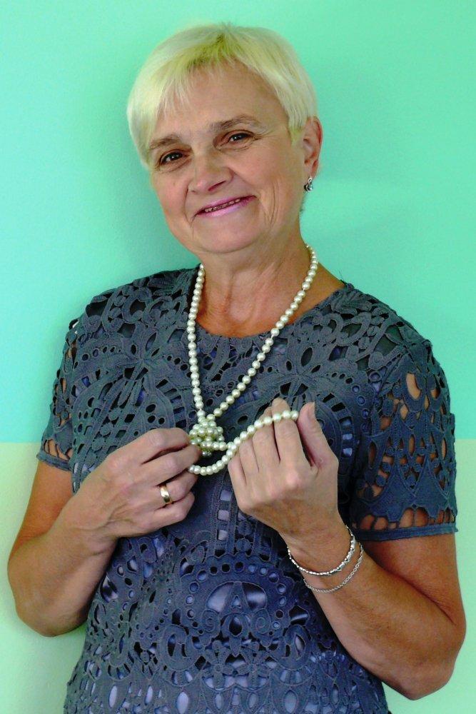 Бабаева Елена Михайловна, машинист по стрике белья в детском саду №80