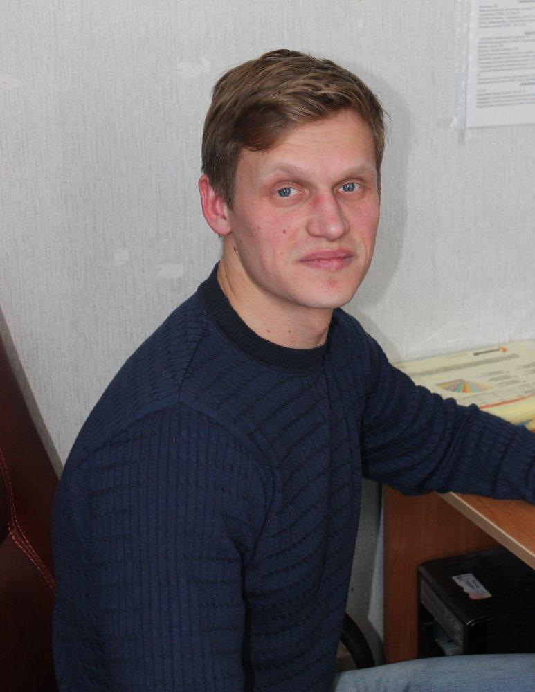 Харитонов Владимир Григорьевич, педагог дополнительного образования  ЦДЮТТ «Мотор»